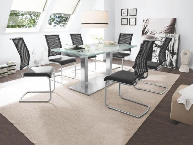 <p><strong>Tischgestell</strong><br /> Edelstahl, mit 2 Tischs&auml;ulen, feste Glasplatte, ca. 160 x 90 cm</p>  <p><strong>Stuhl</strong><br /> Gestell Edelstahl, hochwertiger Sitzbezug in Lederoptik, R&uuml;ckenlehne QuaTex</p>
